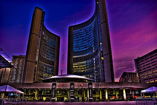 Toronto City Hall by Ryan McIntyre