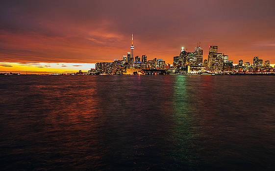 Toronto Skyline by Thomas Richter