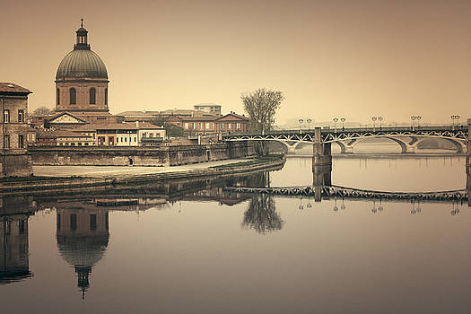 Toulouse cityscape by Mickael PLICHARD
