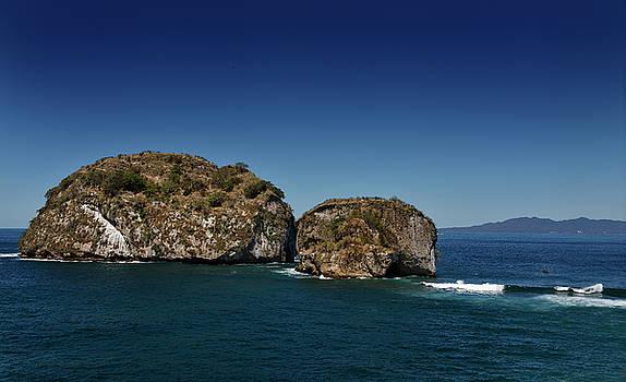 Reimar Gaertner - Tour boat for scuba diving anchored at Los Arcos National Park P