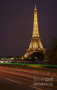 Vyacheslav Isaev - Tour de Eiffel at night