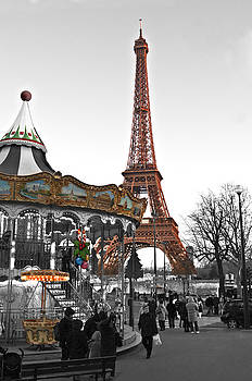 Pedro Cardona Llambias - Tour Eiffel and carrousel color and black and white by pedro cardona