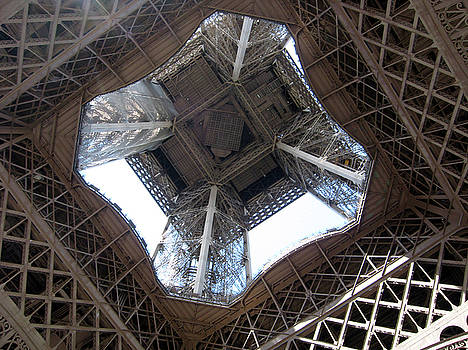 Tour Eiffel by Karolina Al Azab