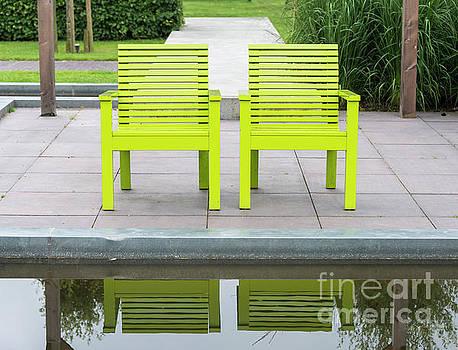Compuinfoto - tow green garden chairs