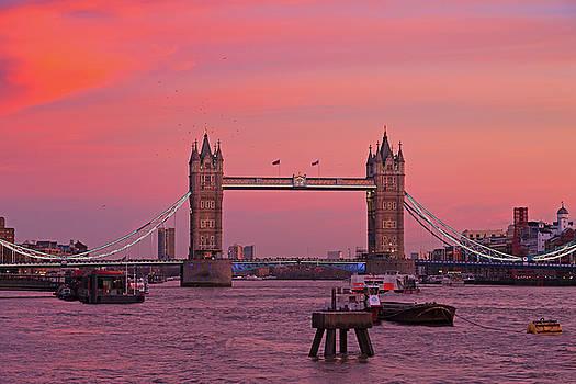 Tower Bridge London by Andy Myatt