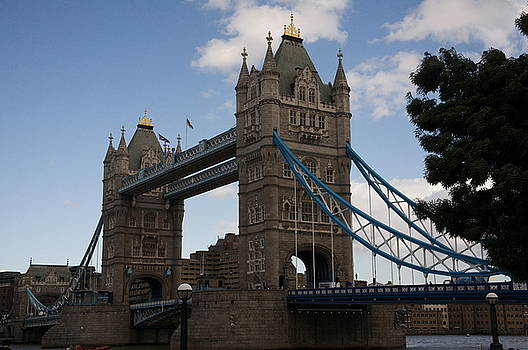 Tower bridge London by Christopher Rowlands