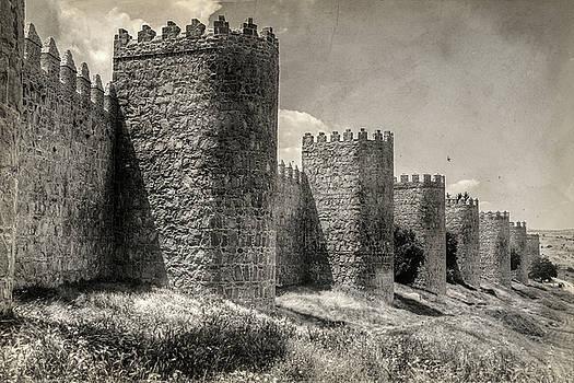Town walls by Ignacio Leal Orozco