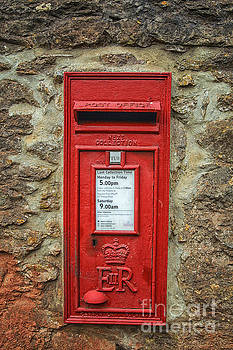 Patricia Hofmeester - Traditional English postbox
