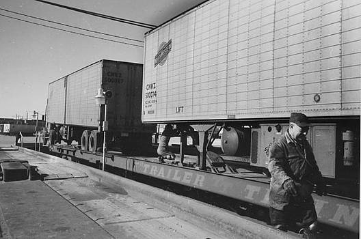 Chicago and North Western Historical Society - Trailer Removed From Flat Rail Car
