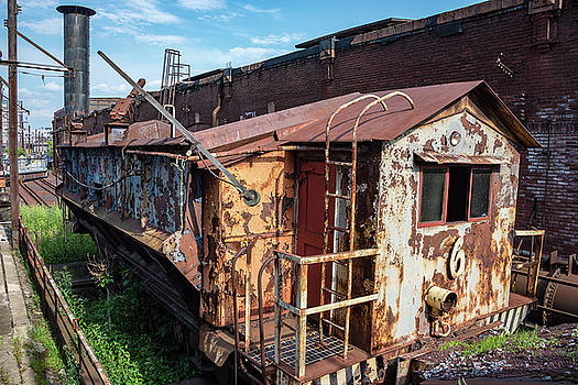 Train 6 in Color by Lindy Grasser