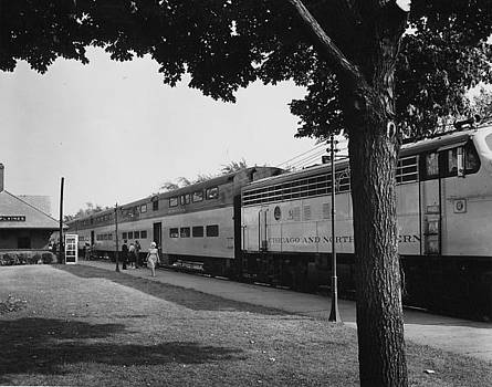 Chicago and North Western Historical Society - Train at Des Plaines Illinois - 1960