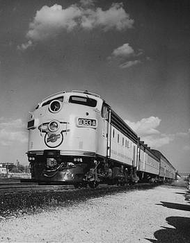 Chicago and North Western Historical Society - Train at Mayfair - 1959