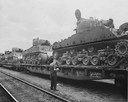 Chicago and North Western Historical Society - Train Carries Army Tanks
