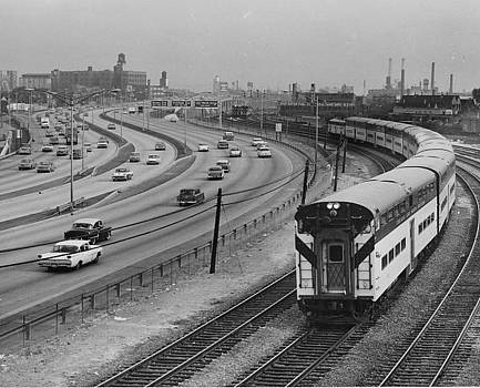 Train Near Expressway at North Ave - 1961 by Chicago and North Western Historical Society