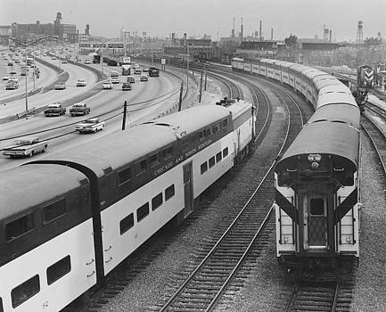 Trains Round Expressway at North Avenue - 1961 by Chicago and North Western Historical Society