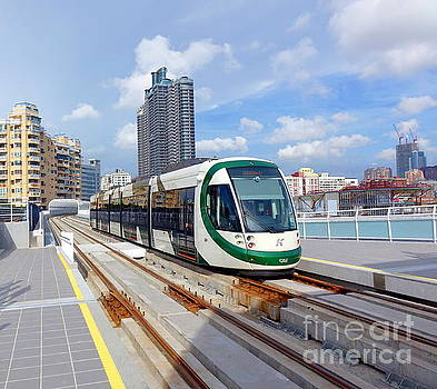 Train of the New Light Rail system by Yali Shi