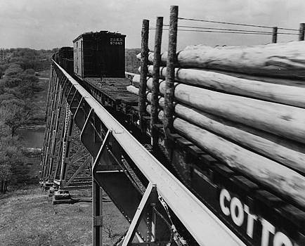 Chicago and North Western Historical Society - Train on Boone High Bridge - 1959
