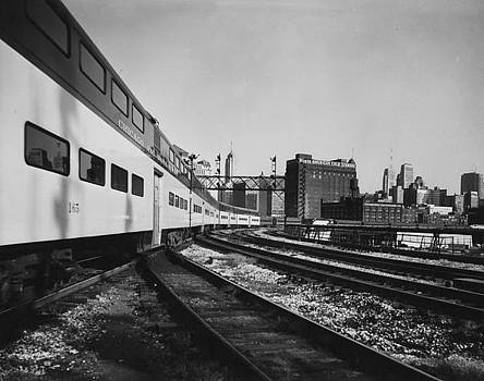 Chicago and North Western Historical Society - Train Rolls Through Chicago - 1960