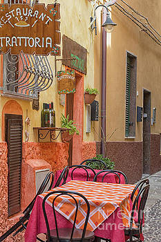 Patricia Hofmeester - Trattoria with outside tables