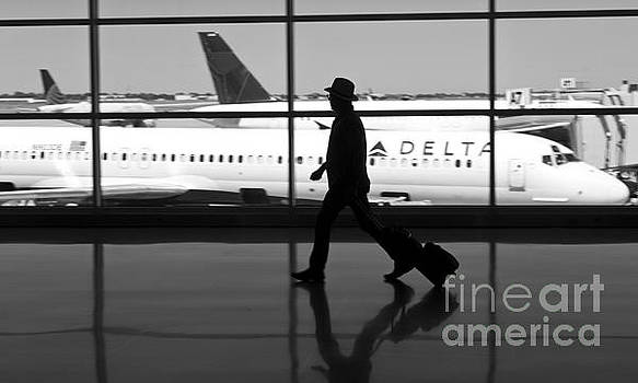 Travel on Delta Airlines in Indianapolis by ELITE IMAGE photography By Chad McDermott