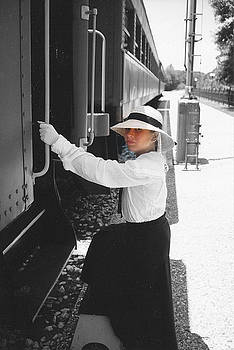 Cindy New - Traveling by Train - black and white focal