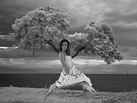 Rolf Bertram - Tree Girl 1209040