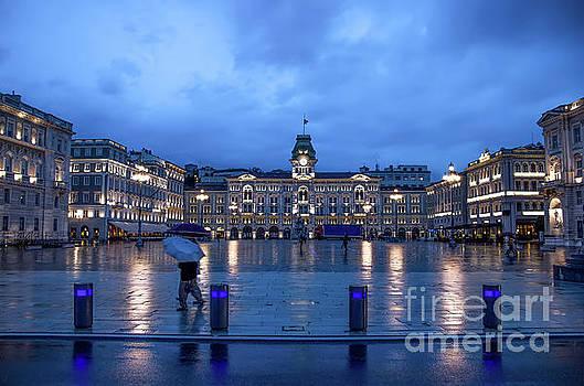 Trieste piazza italia by Luca Lorenzelli