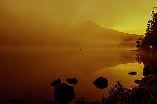 Trillium lake sunrise by Hans Franchesco
