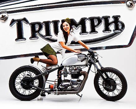 Triumph Pin-up by Dean Farrell