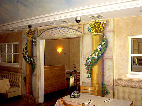 Trompe l'oeil entryway by Thomas Lupari