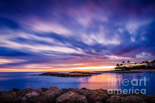 Tropical beach sunset  in Oahu, Hawaii by Engel Ching