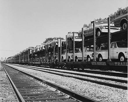 Chicago and North Western Historical Society - Trucks Carried on Train Auto Rack