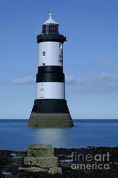 Trwyn Du Lighthouse by Steev Stamford