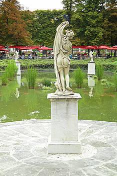 Robert Meyers-Lussier - Tuileries Trollop