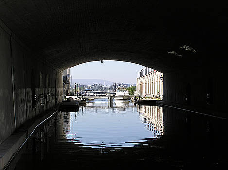 Tunnel an Canal by Richard Mitchell