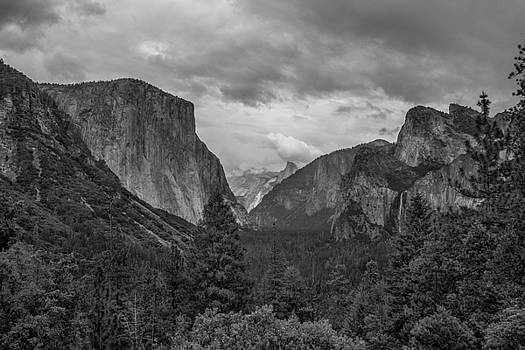 Tunnel View by Christopher Perez
