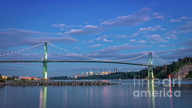 Twilight at the Lion's Gate Bridge by Jerry Fornarotto