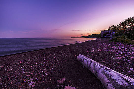 Twilight on Lake Superior by Lonnie Paulson