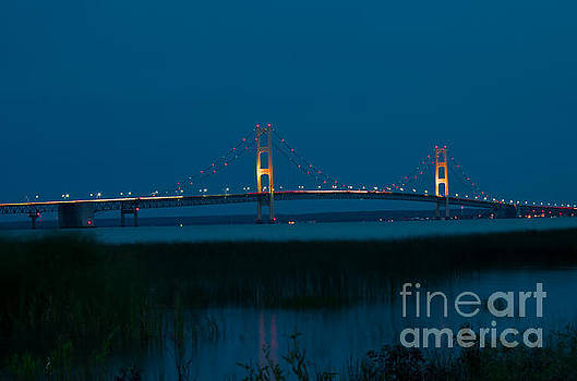Twilight over Mackinac Bridge by OiLin Jaeger