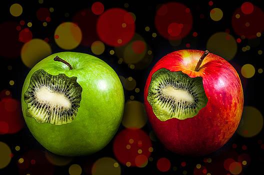 Two Apples by Barbara Dudzinska