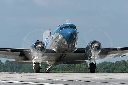 Two Turning - 2017 Christopher Buff, www.Aviationbuff.com by Chris Buff