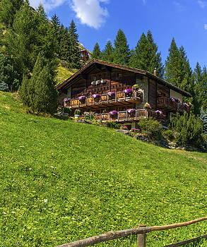 Elenarts - Elena Duvernay photo - Typical chalet in Zermatt, Switzerland