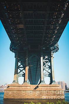 Sonja Quintero - Under The Bridge