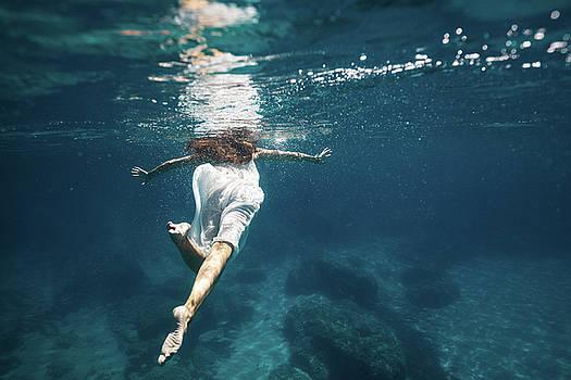 Underwater White Dress III by Gemma Silvestre