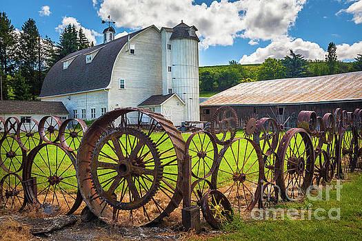 Inge Johnsson - Uniontown Wagon Wheel Fence