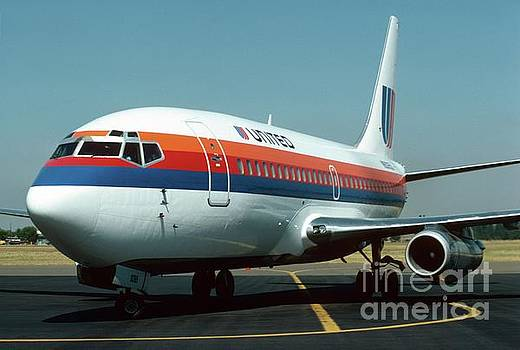 United 737 by James B Toy