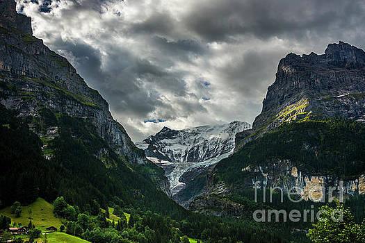 Unterer Grindelwaldgletscher - Grindelwald - Switzerland by Gary Whitton