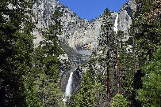Harvey Barrison - Upper and Lower Yosemite Falls
