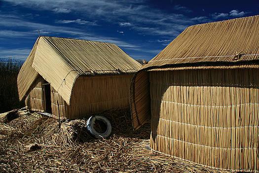 Jonathan Hansen - Uros Islands Huts