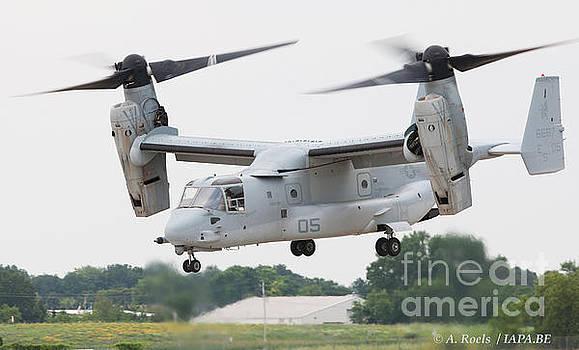 US Navy V 22 Osprey -  Oshkosh 2008 by Antoine Roels